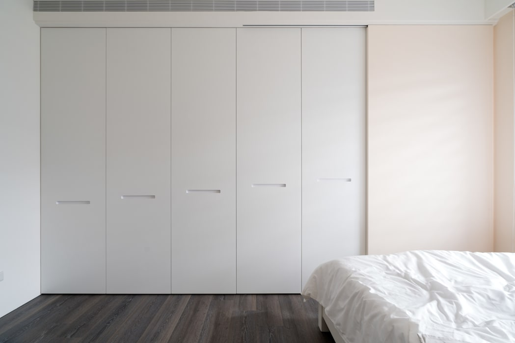 小孩房衣櫃:  嬰兒房/兒童房 by Moooi Design 驀翊設計
