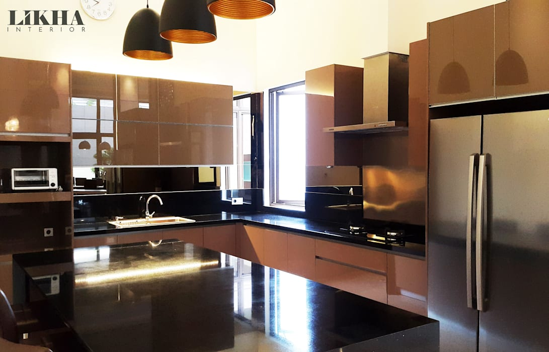 Likha Interior Built-in kitchens Plywood Brown
