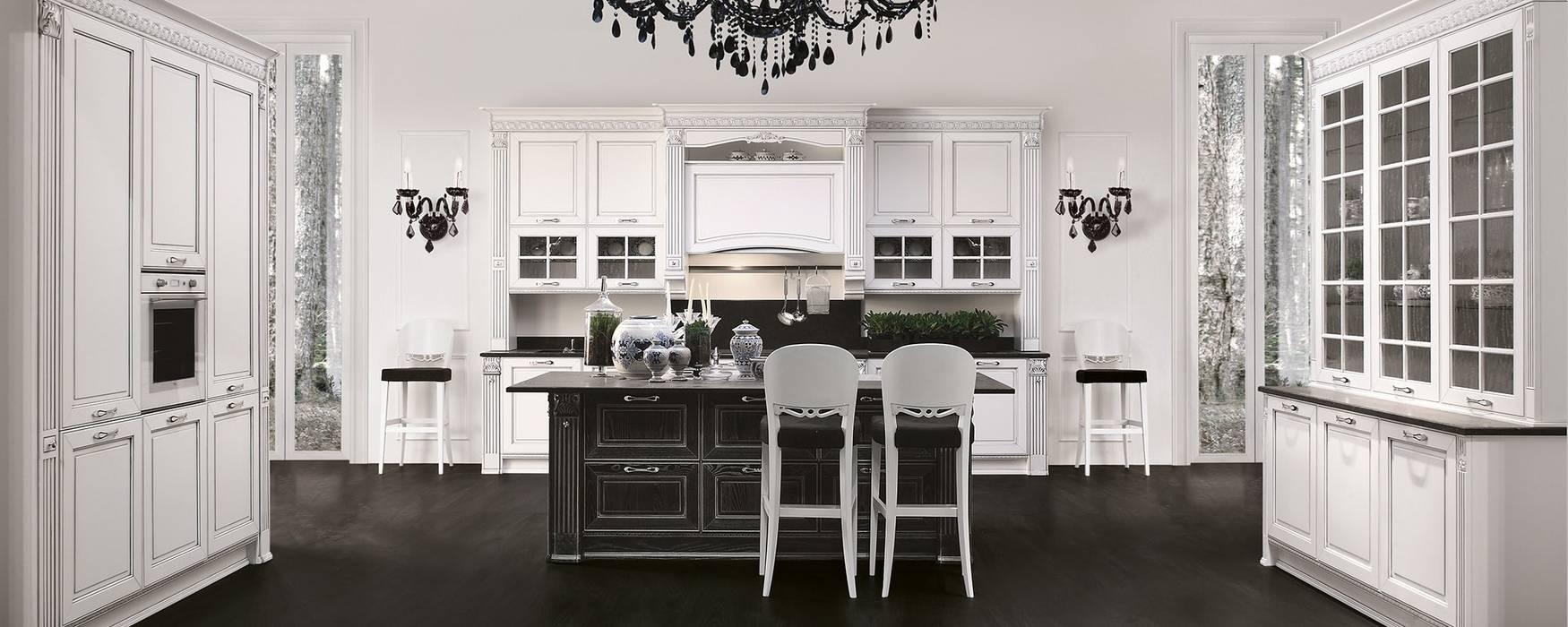 Cucina Dolcevita – Elegance style – Bianco e nero decapè argento: Cucina in stile  di Ferrari Arredo & Design