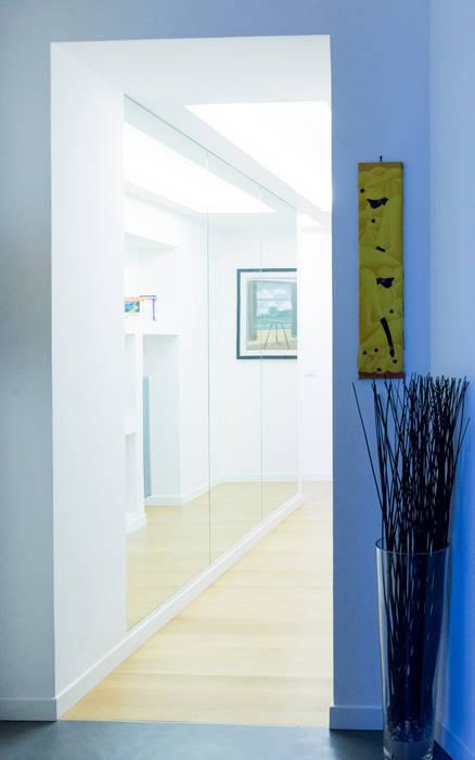 L'ingresso: Ingresso & Corridoio in stile  di VITAE DESIGN studio di architettura