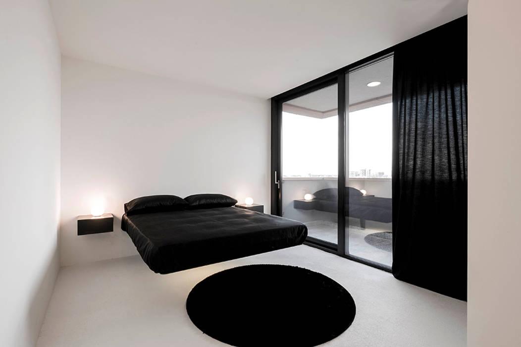 Lago _apt: camera da letto in stile di cristianavannini | arc | homify