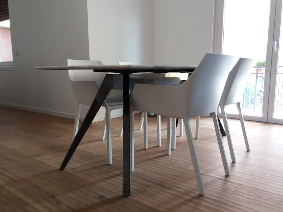Tavolo in marmo di carrara bianco: cucina in stile in stile moderno ...
