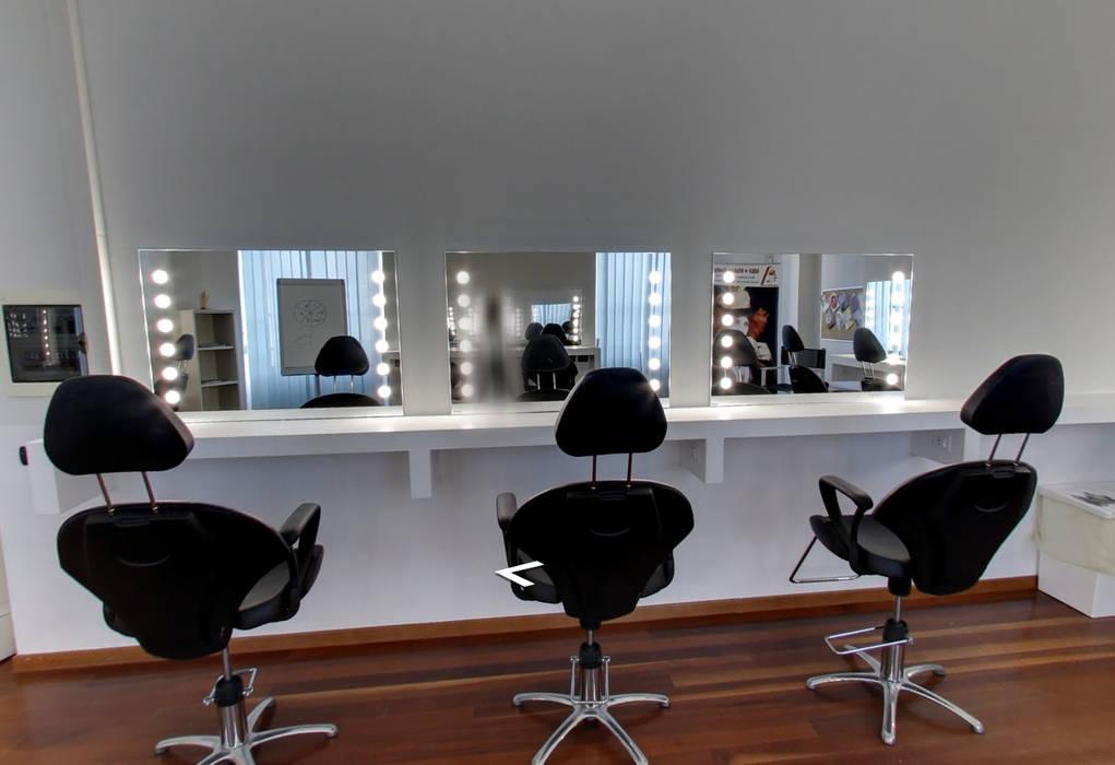 SALA CORSI: Scuole in stile  di Unica by Cantoni