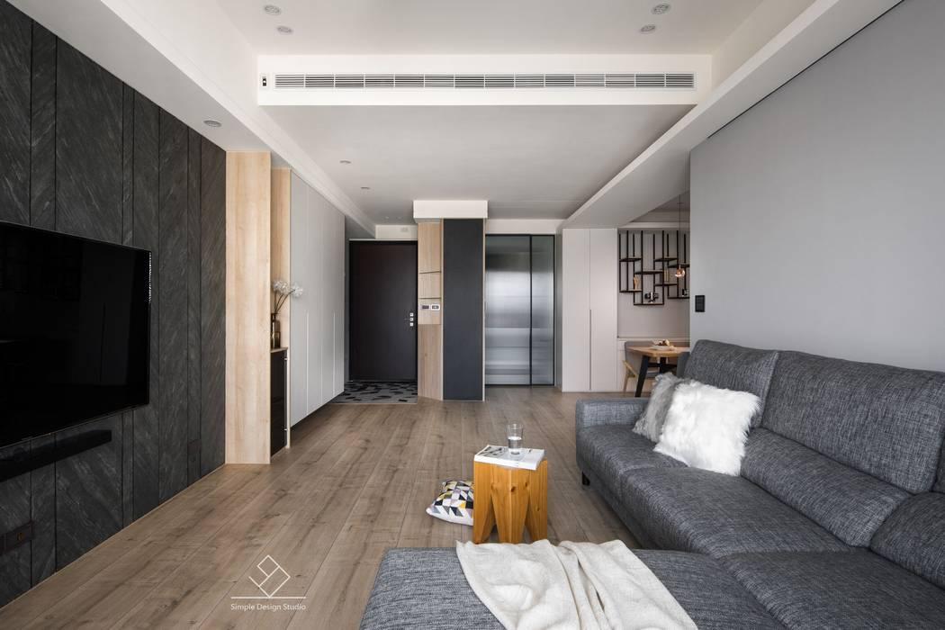 廚房拉門:  走廊 & 玄關 by 極簡室內設計 Simple Design Studio