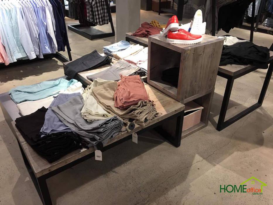 Shop thời trang nam Oz Homeland Phòng thay đồ phong cách châu Á bởi Home Office Châu Á