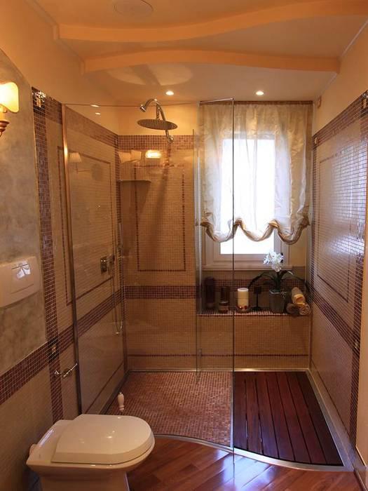 Box doccia ad ingresso libero: Bagno in stile in stile Moderno di SILVERPLAT