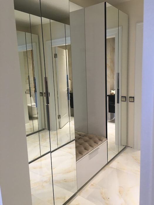 Moderne gangen, hallen & trappenhuizen van homify Modern