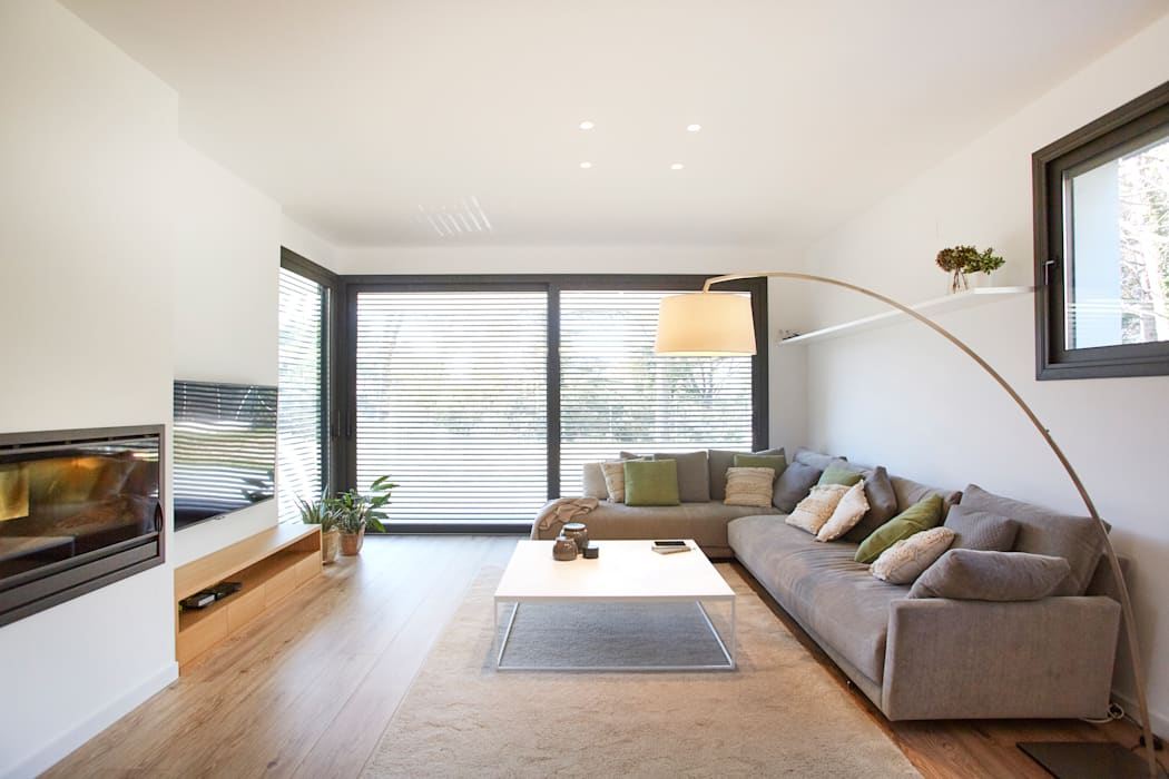 Salas / recibidores de estilo  por Laia Ubia Studio