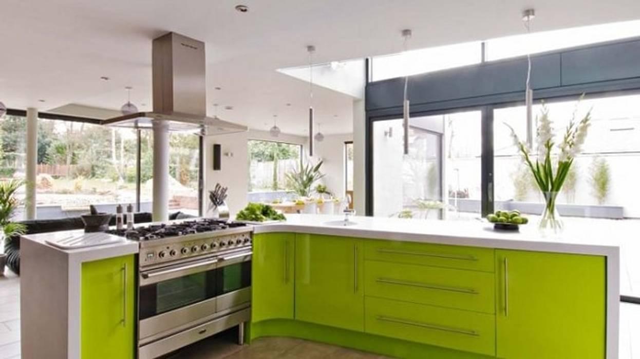 Nội thất bếp đẹp với chiếc tủ bếp hiện đại màu xanh Nhà bếp phong cách hiện đại bởi Thương hiệu Nội Thất Hoàn Mỹ Hiện đại