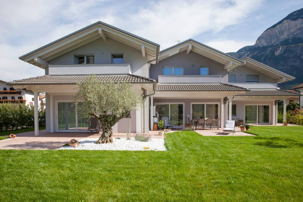 Progettazione Casa In Legno : Casa in legno trifamiliare su progetto casa prefabbricata in