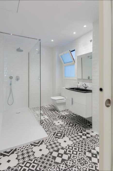 Minimalist style bathroom by Per Hansen Minimalist