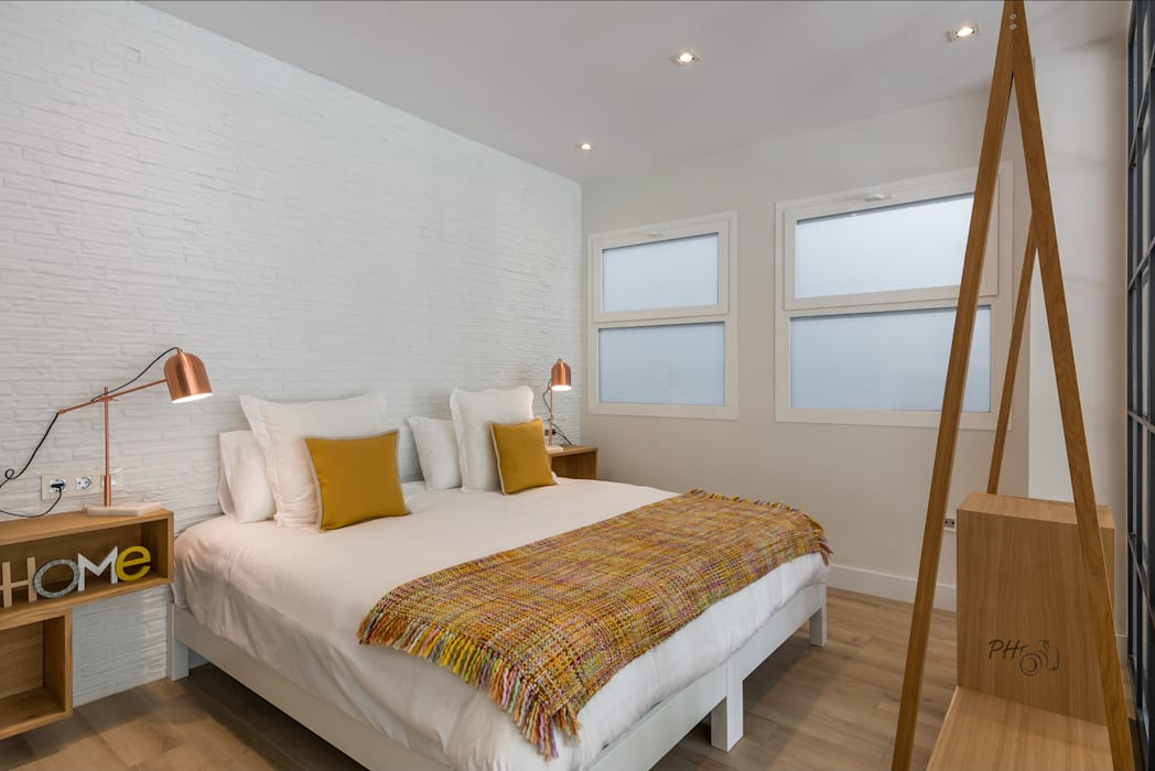Industrial style bedroom by Per Hansen Industrial
