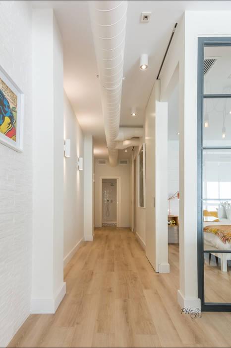 Couloir, entrée, escaliers industriels par Per Hansen Industriel
