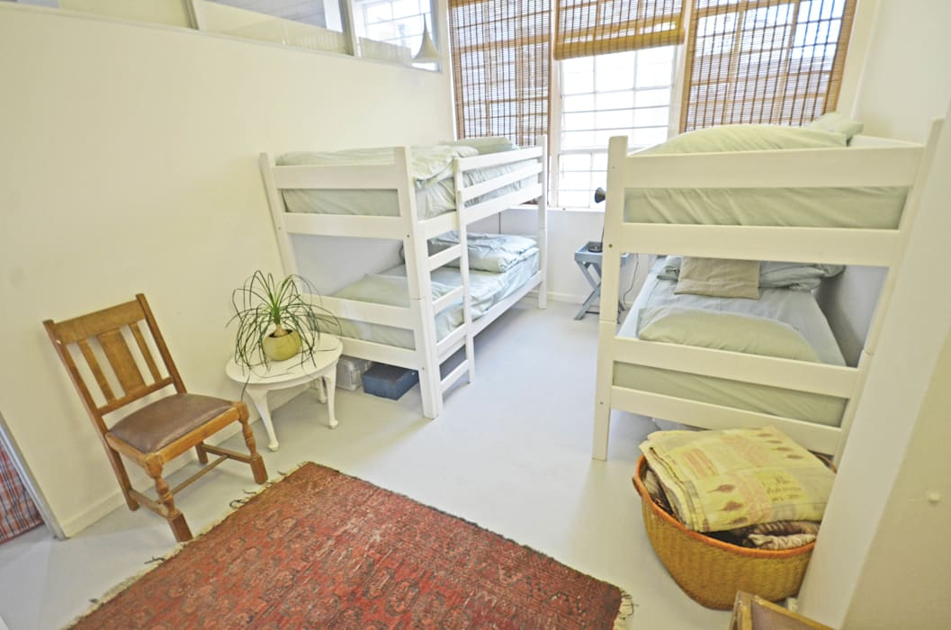 volunteer bedrooms Modern Bedroom by Till Manecke:Architect Modern