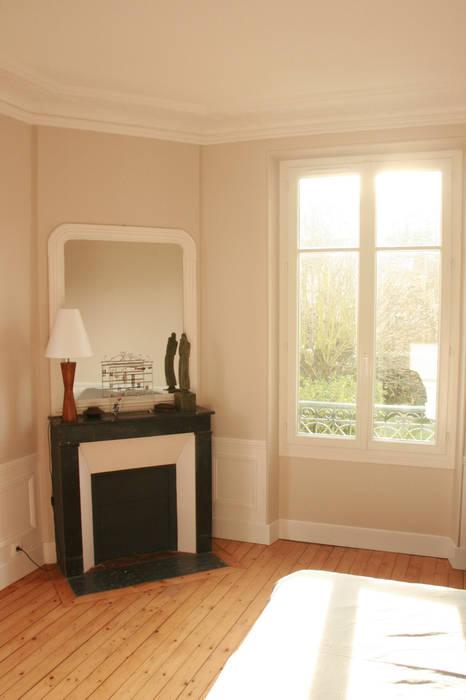 Rénovation suite parentale: Chambre de style de style Rustique par Optiréno