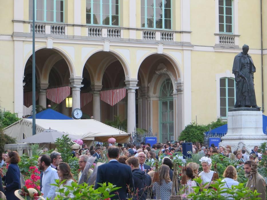 XXIII Mostra Orticola di Lombardia: Giardino in stile  di MASSIMO SEMOLA PROGETTAZIONE GIARDINI MILANO