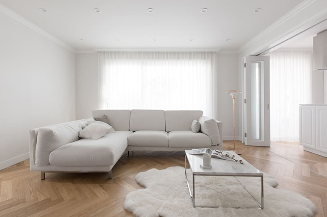 클래식하고 따뜻한 20평대 빌라 인테리어: husk design 허스크디자인의  거실,