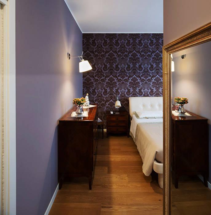 Camera da letto: Camera da letto in stile  di bottegaarchitettonica