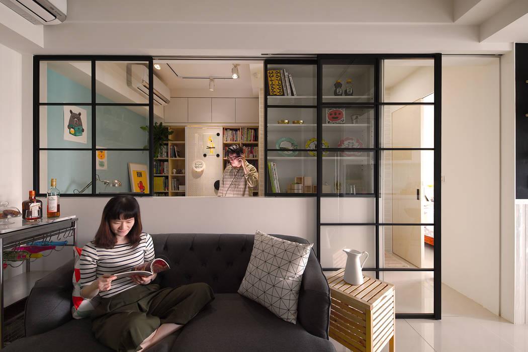 客廳與半開放書房 by 一葉藍朵設計家飾所 A Lentil Design Scandinavian Metal