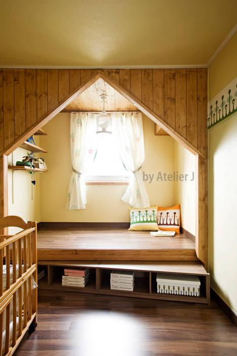 Atelier J Baby room Wood