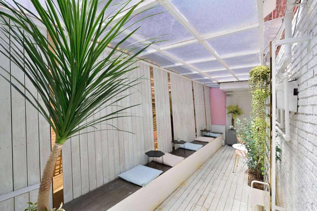 Balcon, Veranda & Terrasse modernes par elevation Moderne
