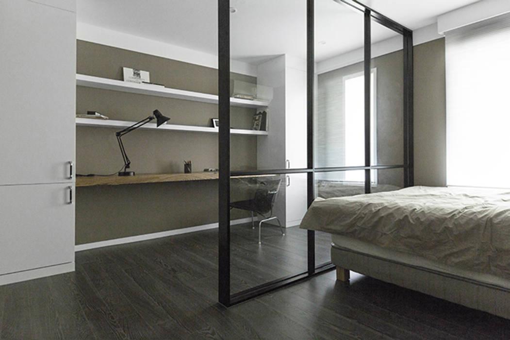 침실 인테리어: husk design 허스크디자인의  침실