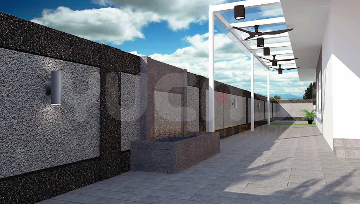 Semi-D at Jln Ipoh:  Front yard by Yucas Design & Build Sdn. Bhd.