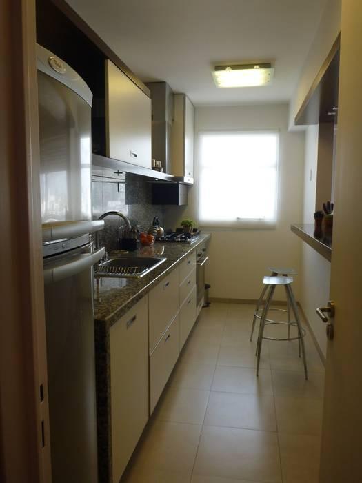 cocina: Cocinas a medida  de estilo  por arq.c2