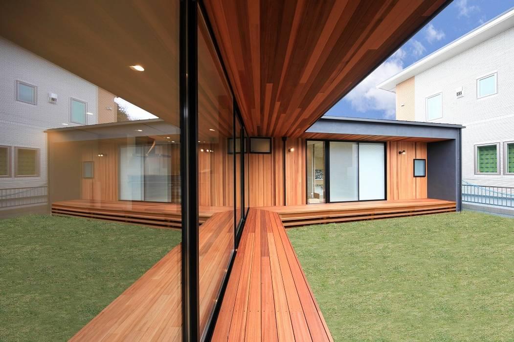 Jardines de estilo moderno de STaD(株式会社鈴木貴博建築設計事務所) Moderno