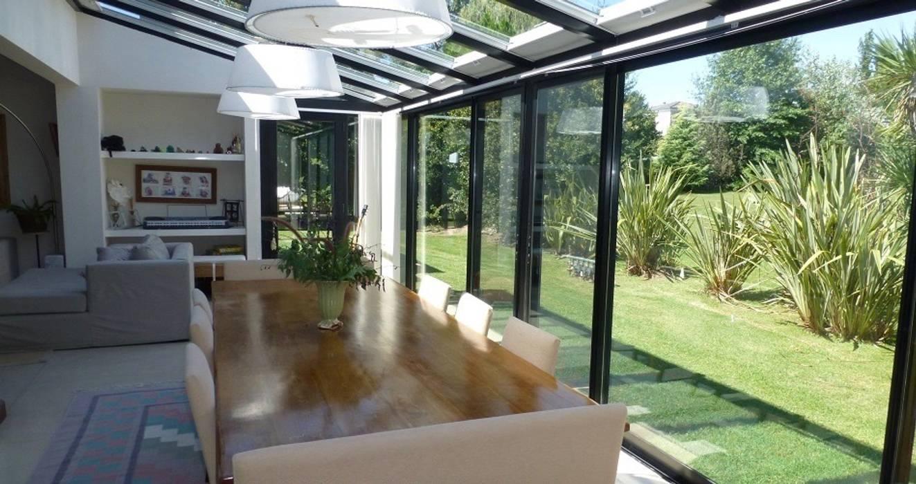 Jardín de invierno: Jardines de invierno de estilo  por Estudio Dillon Terzaghi Arquitectura - Pilar
