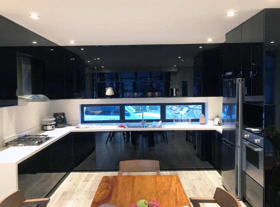 Modular Kitchen - Lucena City, Quezon Province:  Kitchen by Stak Modern Kitchens,