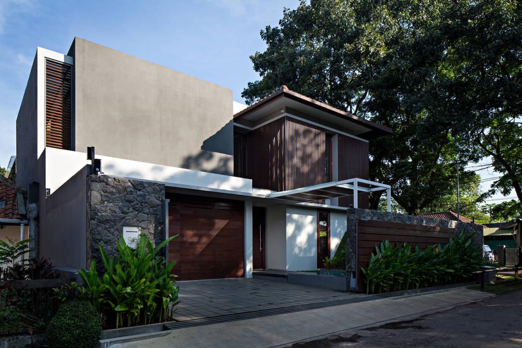Casas unifamilares de estilo  de BAMA