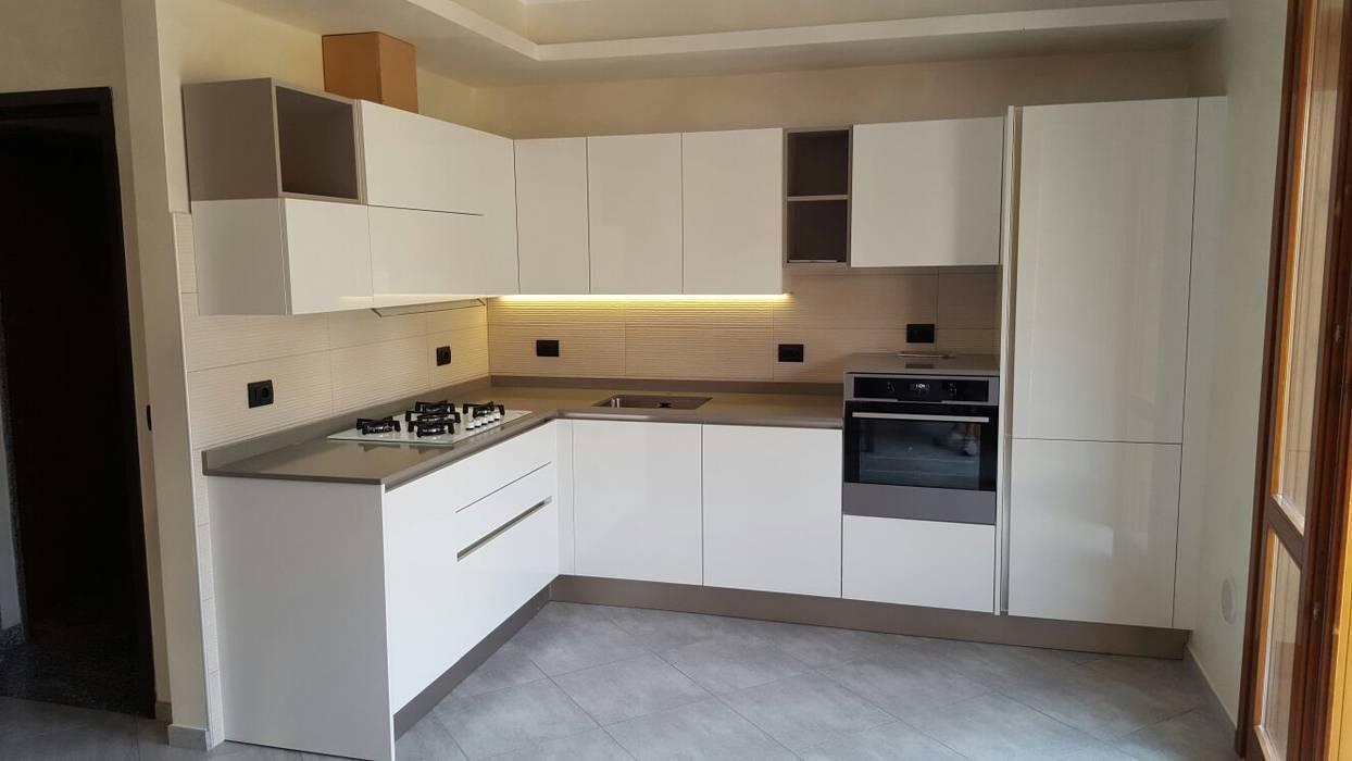 Cucina veneta cucine laccato bianco lucido: cucina ...