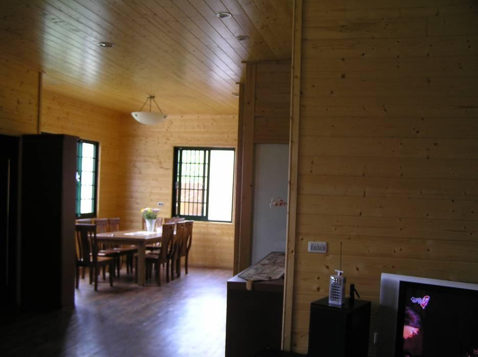 日式木屋別墅餐廳內裝 地興木屋有限公司 Asian style dining room