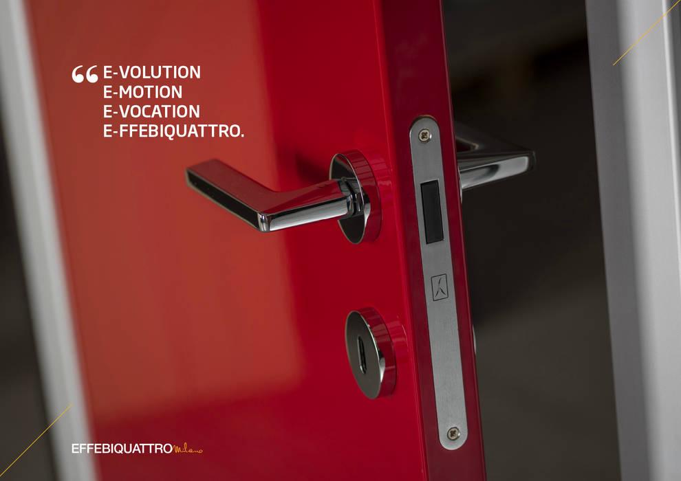 Porta Novaanta in poliestere Rosso: Porte in legno in stile  di Effebiquattro S.p.A.