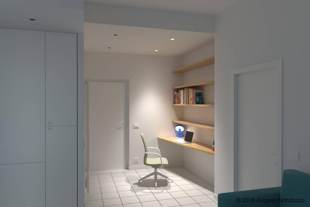 """Appartamento """"easy"""" a Milano, angolo studio: Studio in stile  di Angelo Nardozza Architetto"""