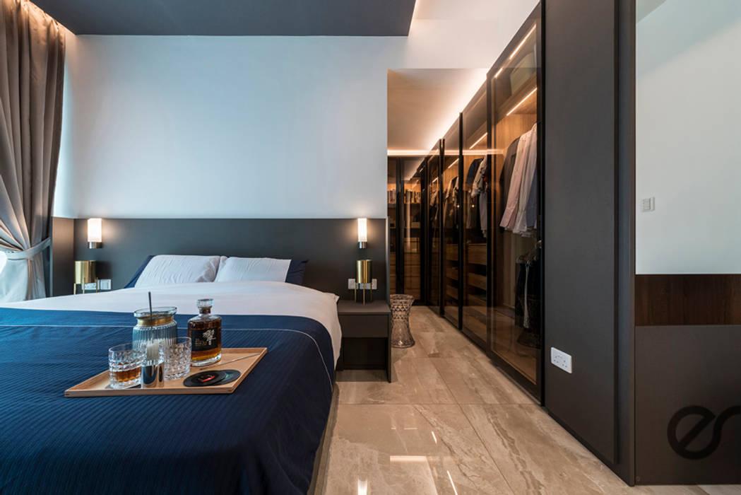 Design & Build: Melrose Condominium:  Bedroom by erstudio Pte Ltd