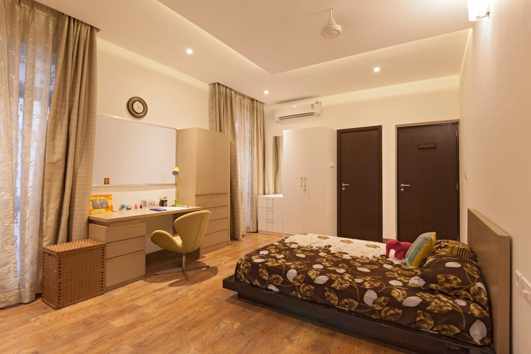 Residence No.1 at Panache, chennai:  Bedroom by Synergy Architecture and Interiors