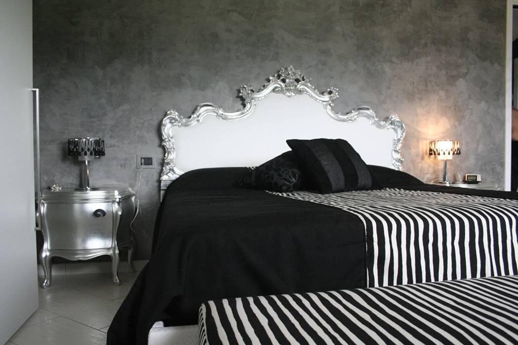 Camera da letto: Camera da letto in stile  di Drim Casa