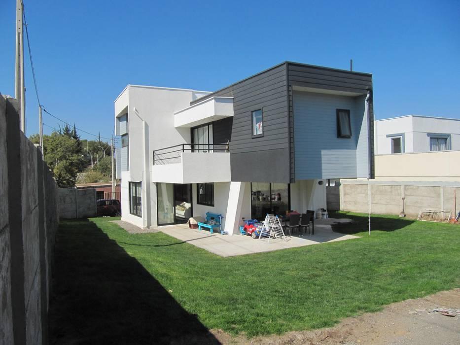 Casa Cruz de Lorena: Casas unifamiliares de estilo  por Lau Arquitectos