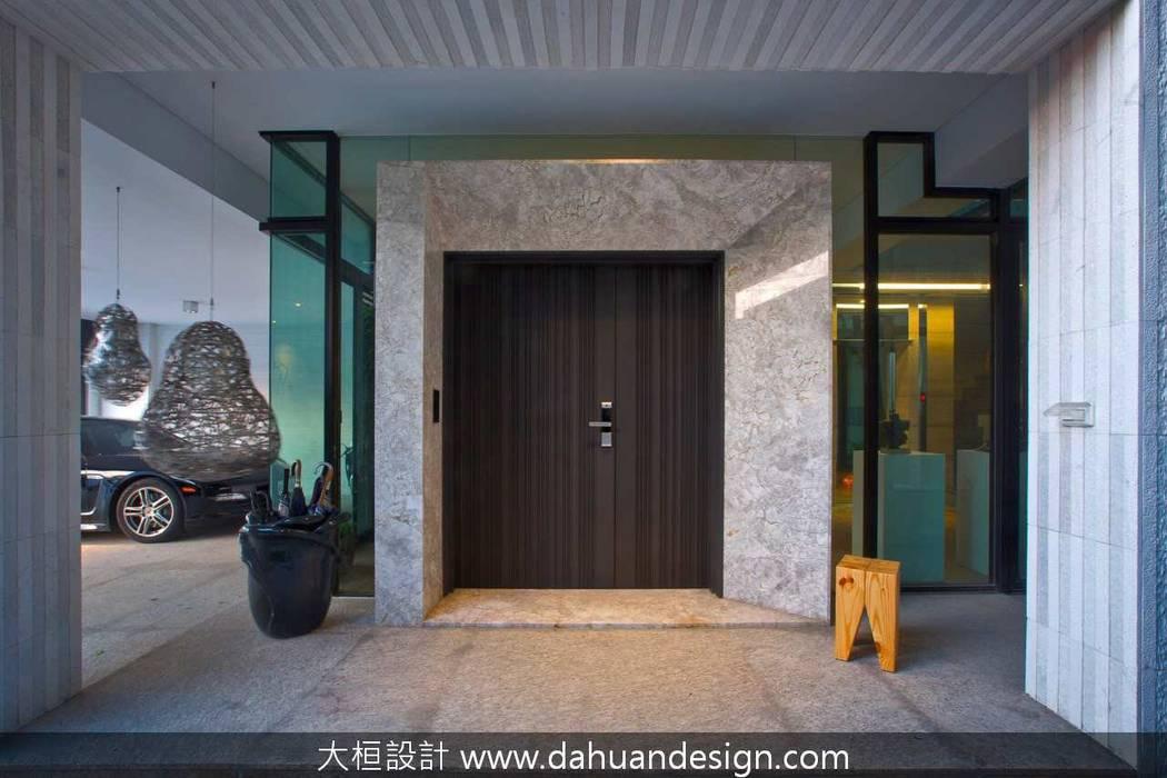 大桓建築設計 | 台中 | 生活館:  別墅 by 大桓設計顧問有限公司