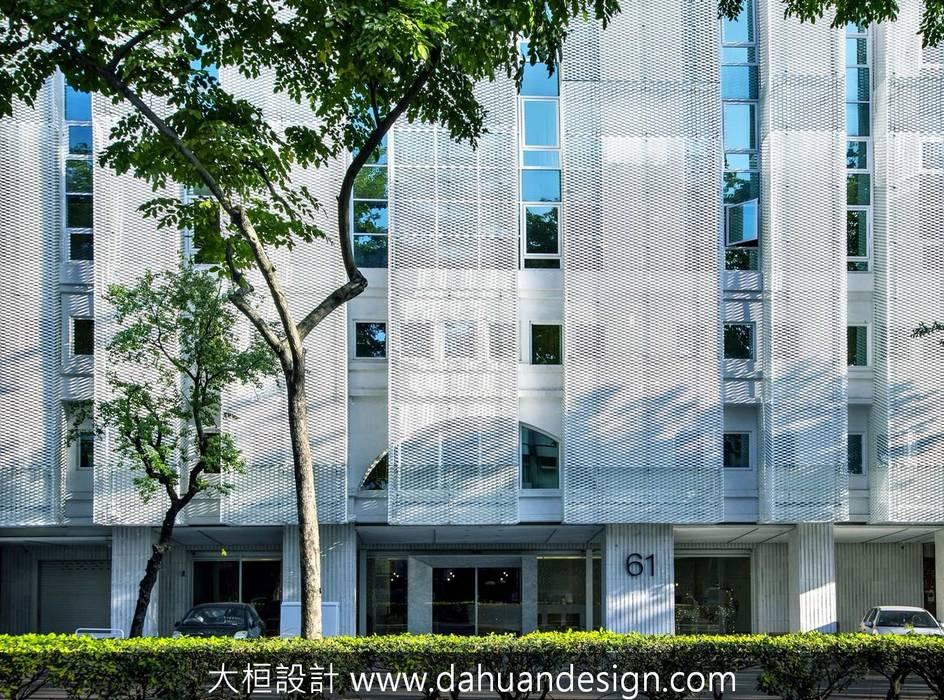 大桓建築設計 | 台中 | 卡爾登飯店:  醫院 by 大桓設計顧問有限公司
