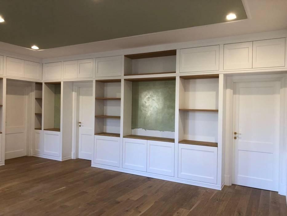 Arredamamento salone stile classico bianco: soggiorno in stile di ...