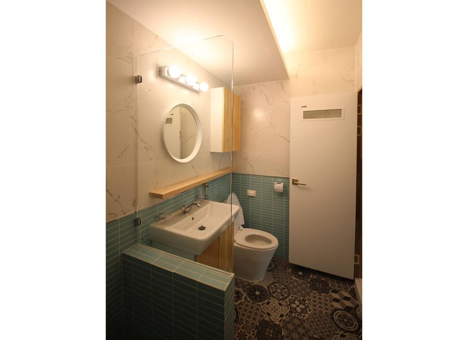Bathroom by 덴보드
