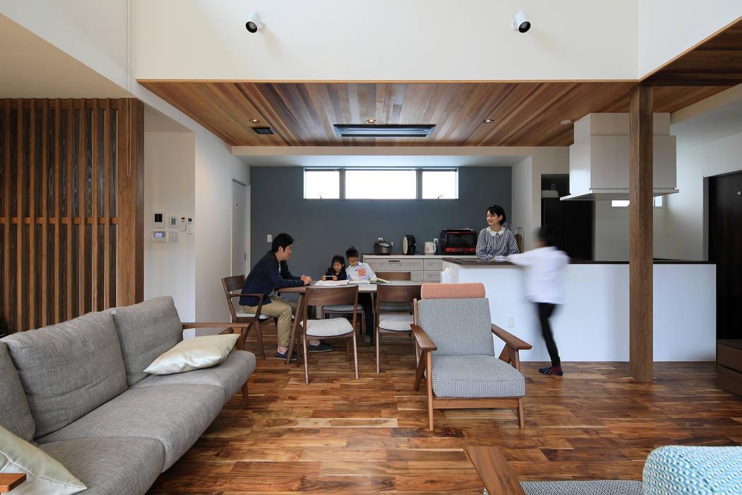 リビング ㈱ライフ建築設計事務所 オリジナルデザインの リビング