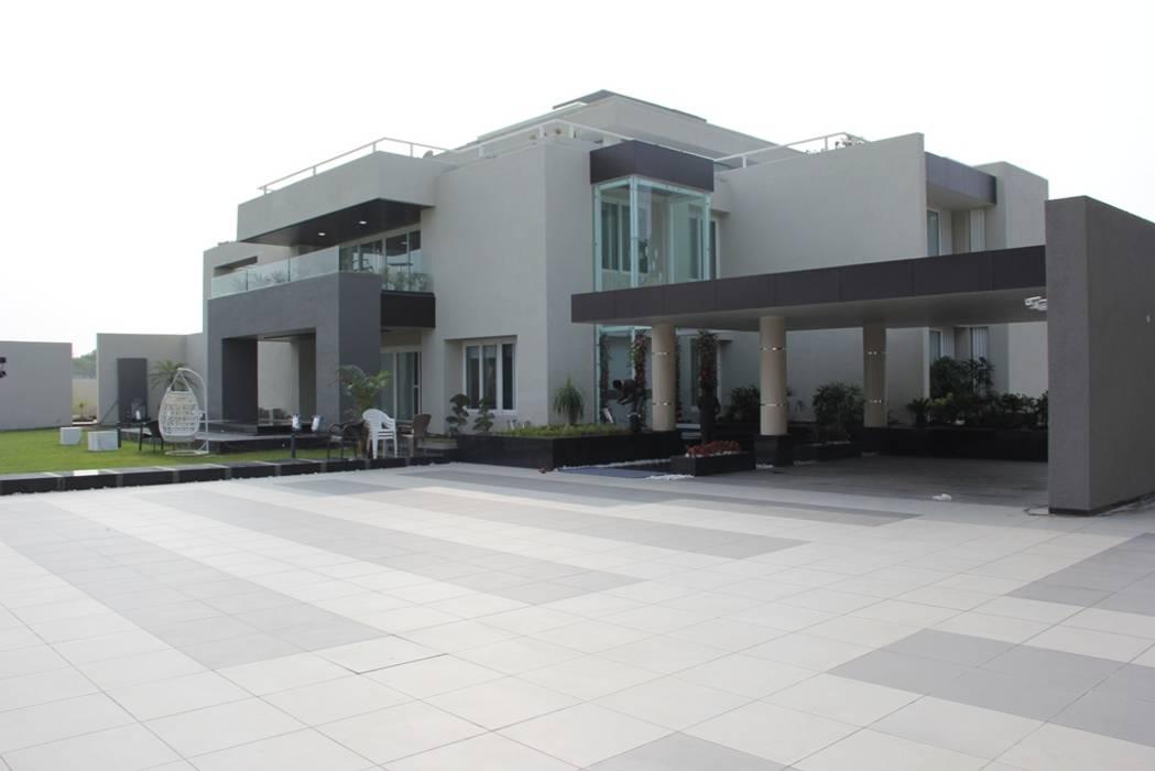 Chugh Villa Modern houses by Innerspace Modern