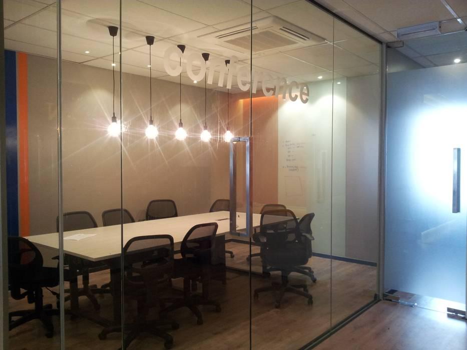 Conference Room by LI A'ALAF ARCHITECT Modern