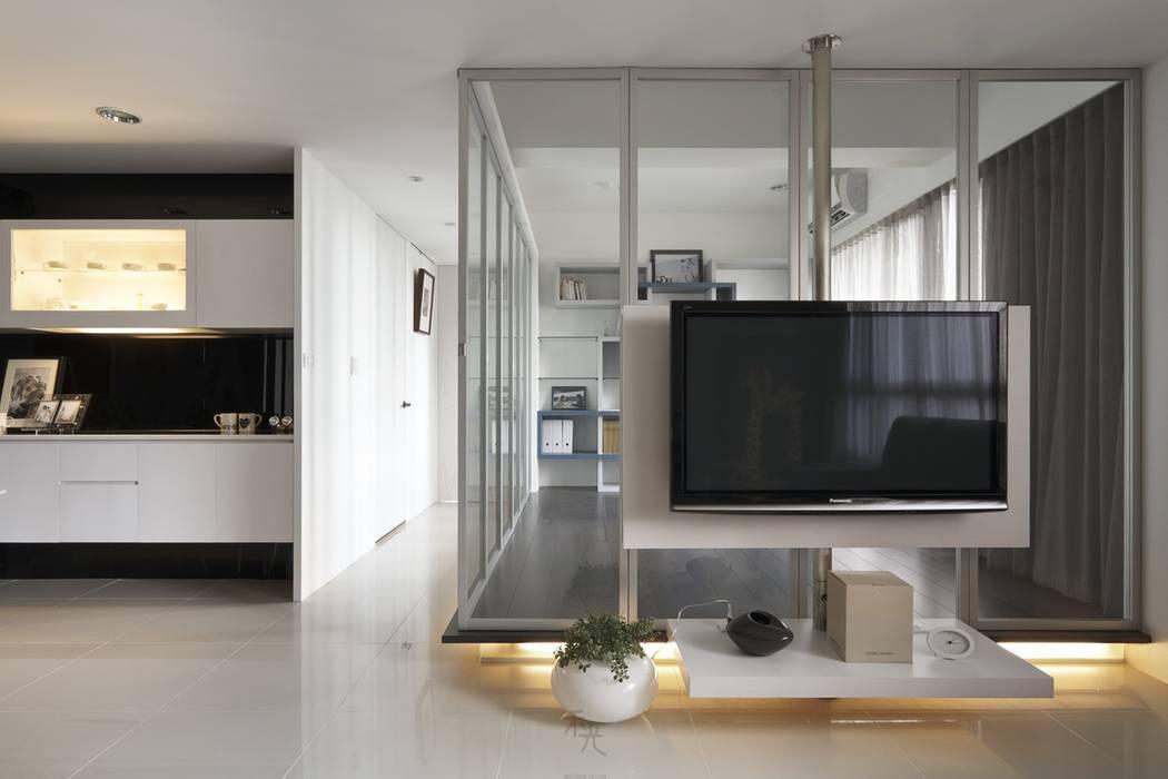 質樸中透出內斂的時尚:  牆面 by 禾光室內裝修設計 ─ Her Guang Design, 簡約風
