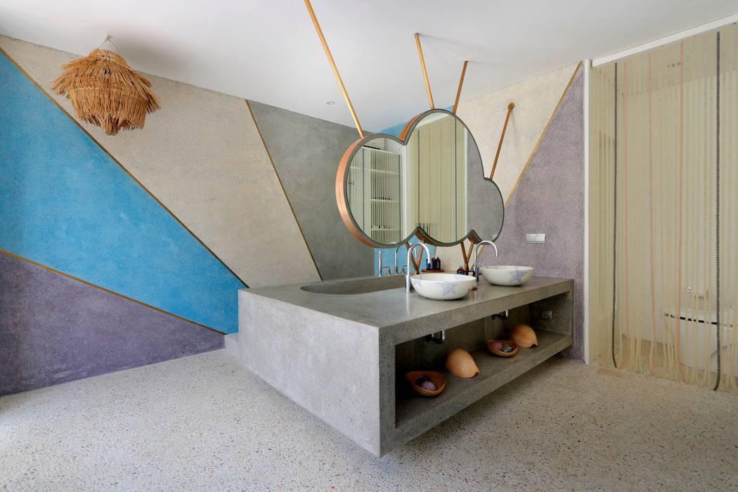 Seascape Villa Bathroom Word of Mouth House Tropical style bathrooms
