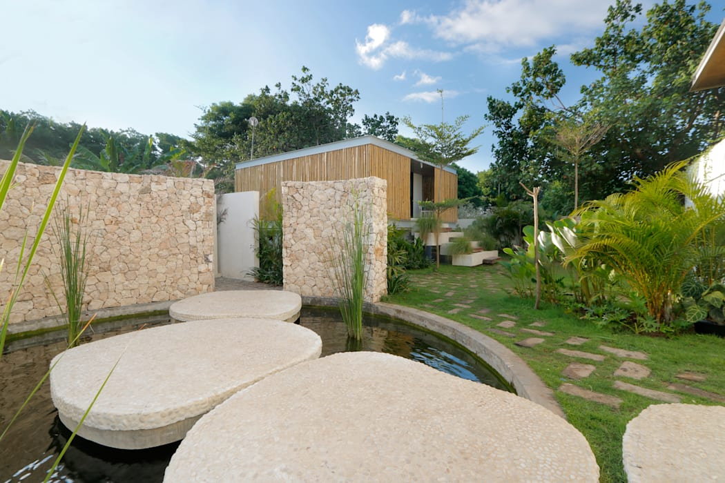 Seascape Tropical style houses by Word of Mouth House Tropical